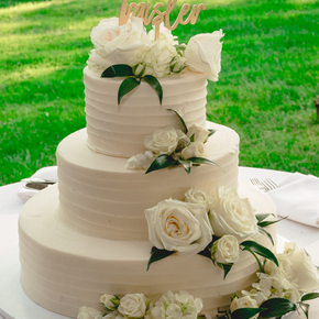 Philadelphia area wedding photographers at Pomme Radnor APMT-25